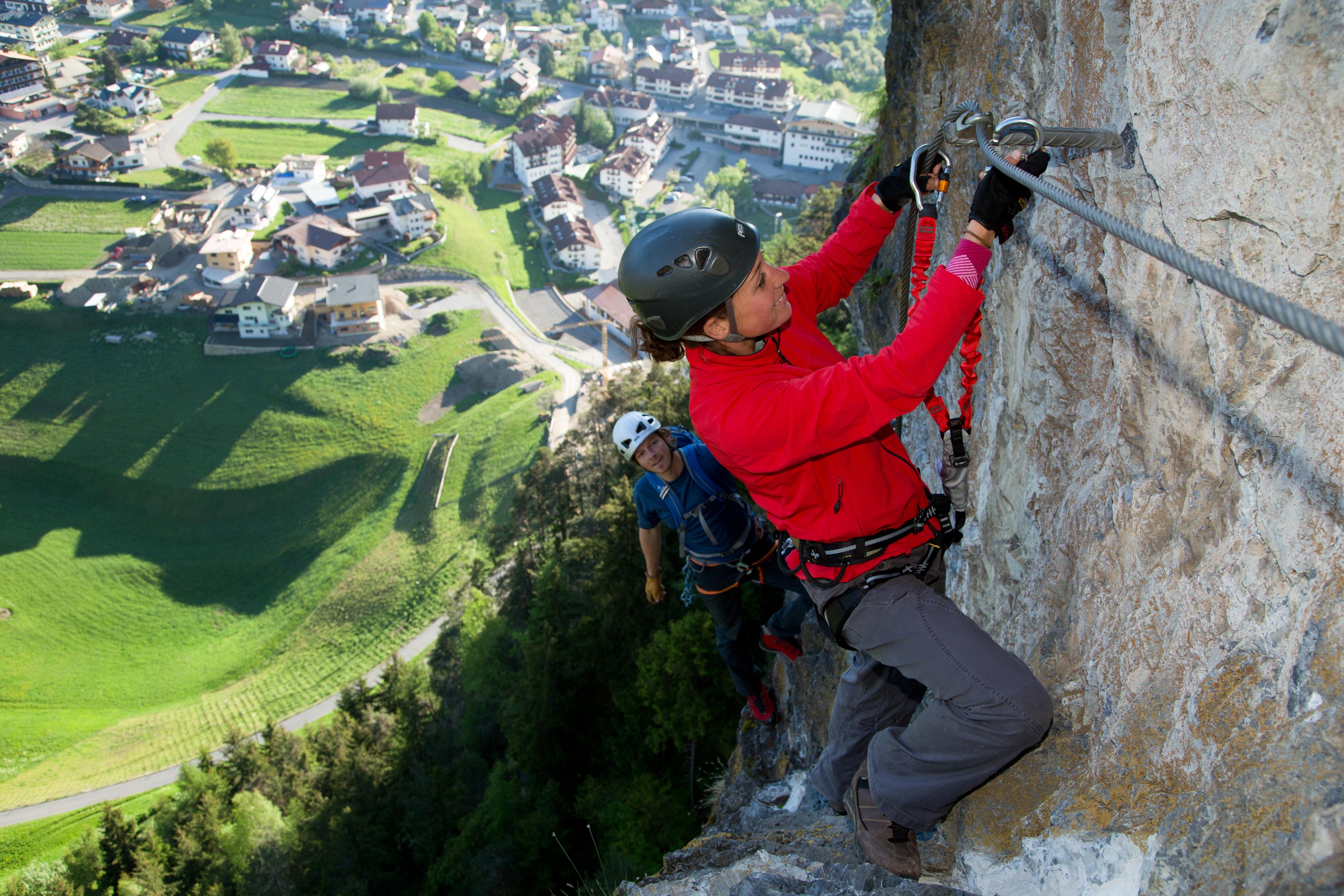 Klettersteig Pitztal : Steinwand klettersteig bei arzl pitztal tirol oesterreich.